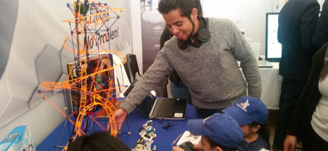 Cr Ciencia Y Robótica en la Feria de Desarrollo Tecnológico para la Defensa (FEDETEC)